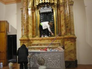 Limpieza Iglesia 28-3-2015 005